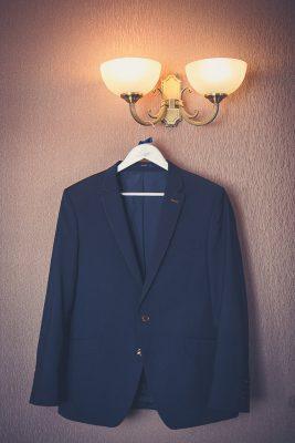 svadobne detaily oblek foto Martin Almasi