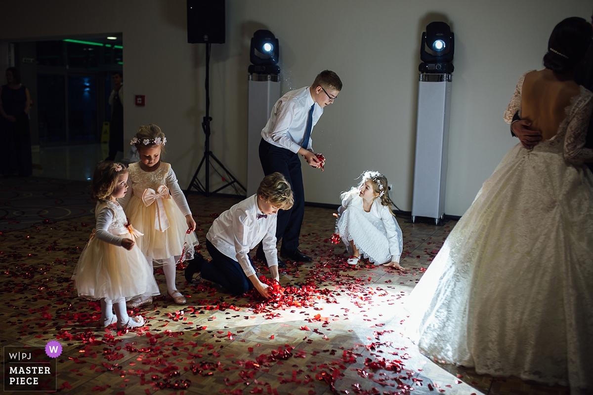 deti na svadbe svadobná reportáž ocenená fotografia vo WPJA photo Martin Almasi wedding reportage WPJA award